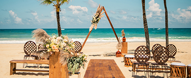 aic_website_WeddingInspiration_FreeSpirit_RCeremony